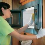 почистить микроволновую печь от жира