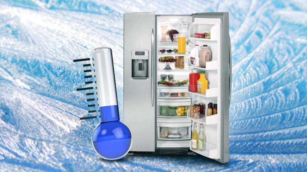 В холодильнике замерзают продукты